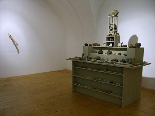 FieldWorks_Wachau, Andrea Caretto, Raffaella Spagna, kunstraumarcade, Mineralischer Altar_Wachau, 2015