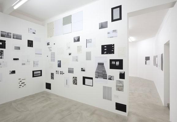 ENVIRONMENT OF TIME ,  Michal Škoda, Installationsansicht 2013, Drdova Galerie, Prag