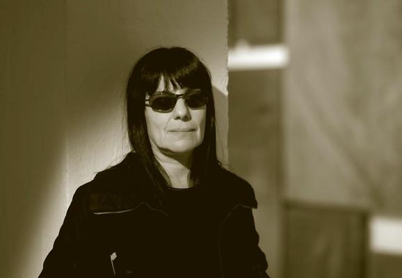 Teresa Margolles, www.kurtpinter.com